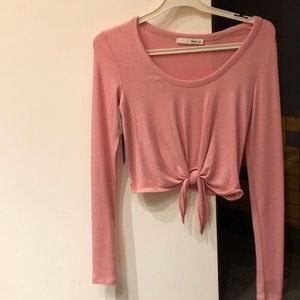 ARITZIA FRONT KNOT PINK SWEATER